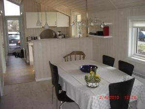 Holiday home 8052 in Skovkrogen, Helnæs Bugt for 6 people - image 12083543