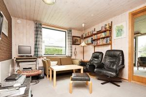 Holiday home 8078 in Hejlsminde for 6 people - image 12083757